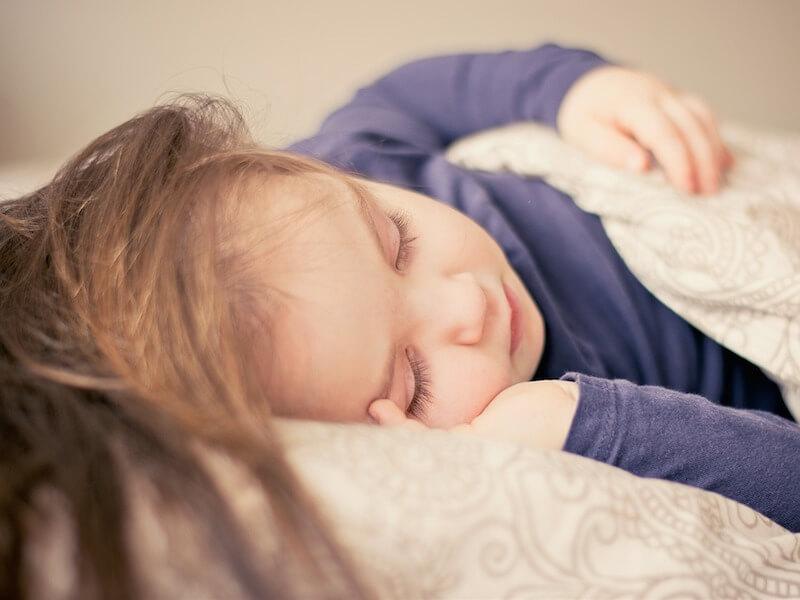 子供を早く寝かせる5つのコツ|親の心掛けで子供の寝付きが良くなる!