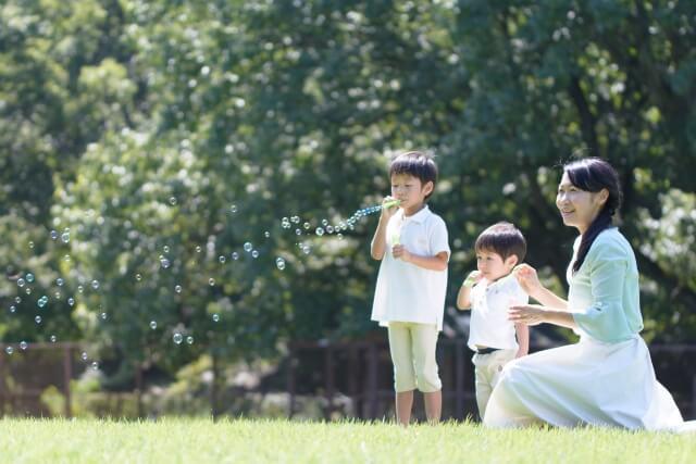 共働きで子育てをするメリット|専業主婦に比べて良いことが多い?