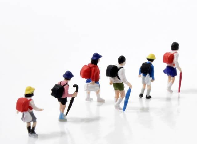小学生向けのおすすめ防犯グッズ|登下校の防犯対策で子供を守る!
